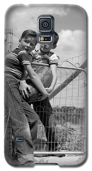 Boys Stealing A Watermelon, C.1950s Galaxy S5 Case by H. Armstrong Roberts/ClassicStock