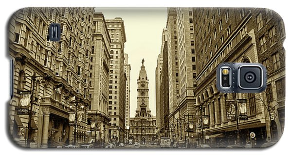Broad Street Facing Philadelphia City Hall In Sepia Galaxy S5 Case by Bill Cannon
