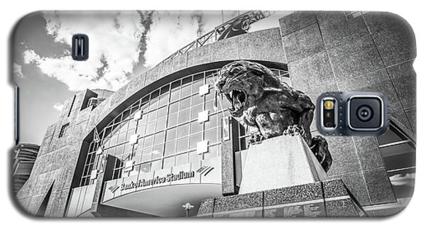 Carolina Panthers Stadium Black And White Photo Galaxy S5 Case by Paul Velgos