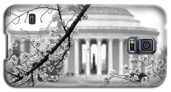 Cherry Tree And Jefferson Memorial Elegance  Galaxy S5 Case by Olivier Le Queinec