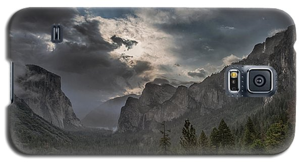 Clouds And Light Galaxy S5 Case by Bill Roberts