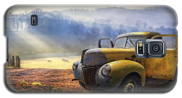 Ford In The Fog Galaxy S5 Case by Debra and Dave Vanderlaan
