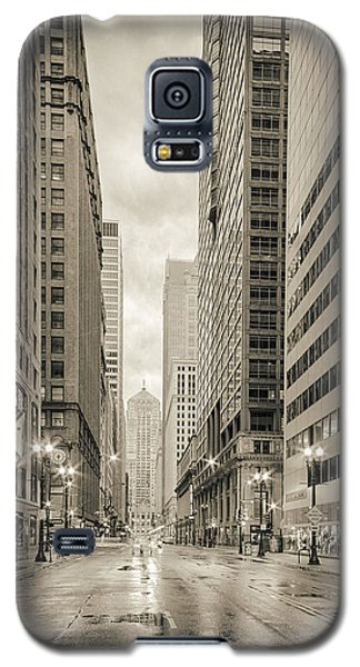 Lasalle Street Canyon With Chicago Board Of Trade Building At The South Side - Chicago Illinois Galaxy S5 Case by Silvio Ligutti