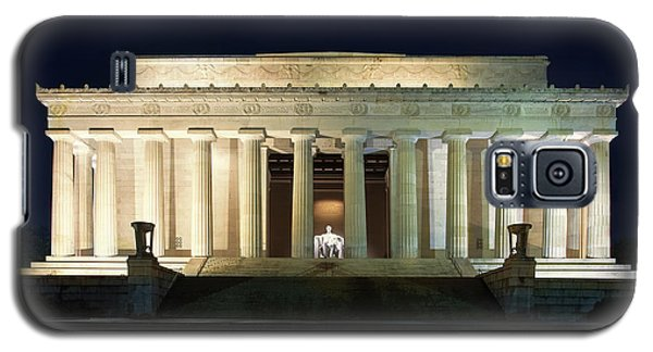 Lincoln Memorial At Twilight Galaxy S5 Case by Andrew Soundarajan