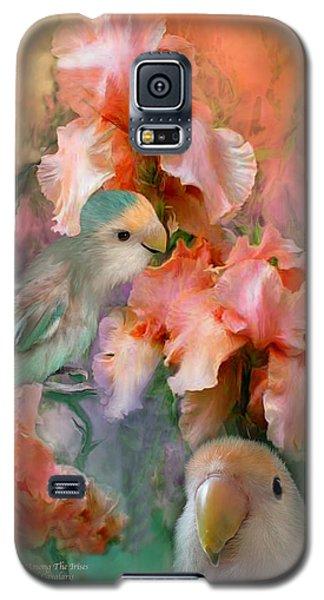 Love Among The Irises Galaxy S5 Case by Carol Cavalaris