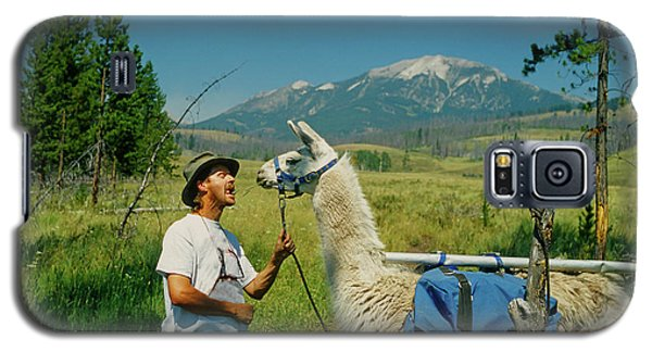 Man Teasing A Llama Galaxy S5 Case by Jerry Voss