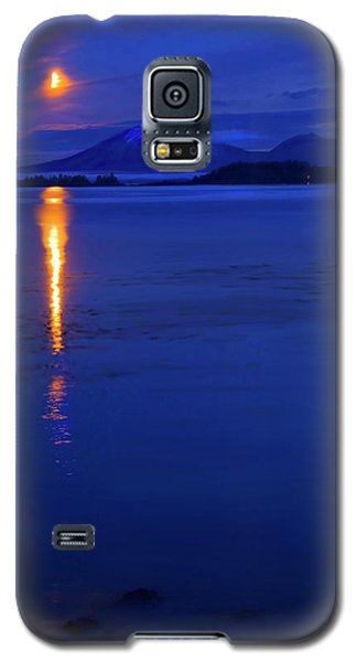 Popular Galaxy S5 Cases - Moon Rise over Mt. Edgecumbe Galaxy S5 Case by Mike  Dawson