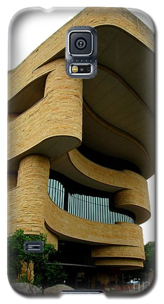 National Museum Of The American Indian 1 Galaxy S5 Case by Randall Weidner