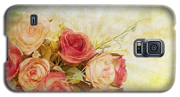 Flower Galaxy S5 Cases - Roses Pattern Retro Design Galaxy S5 Case by Setsiri Silapasuwanchai