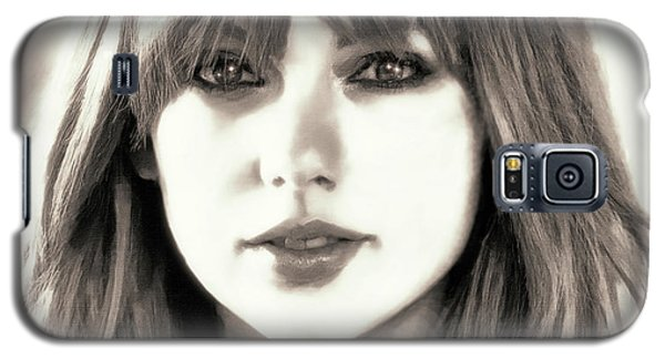 Taylor Swift - Glowing Beauty Galaxy S5 Case by Robert Radmore