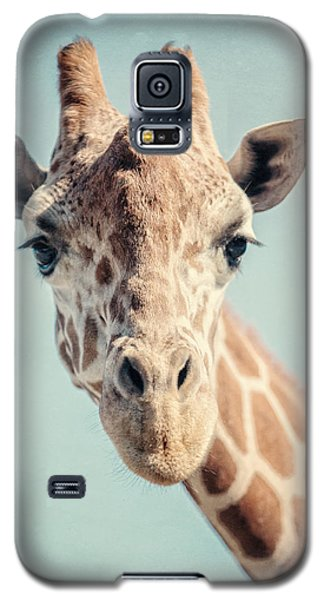 The Baby Giraffe Galaxy S5 Case by Lisa Russo