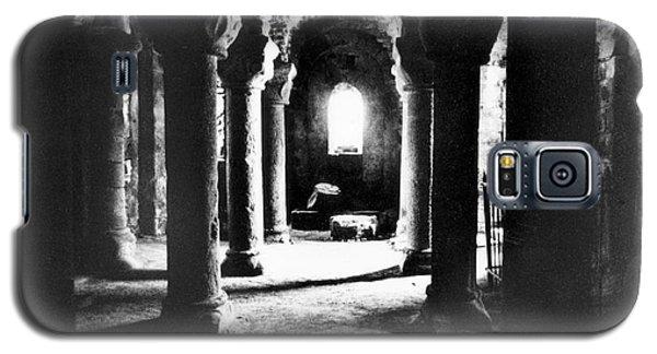 The Crypt Galaxy S5 Case by Simon Marsden