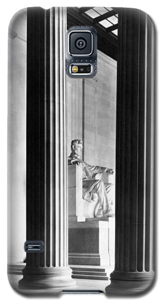The Lincoln Memorial Galaxy S5 Case by War Is Hell Store