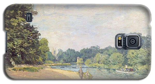 The Thames With Hampton Church Galaxy S5 Case by Alfred Sisley