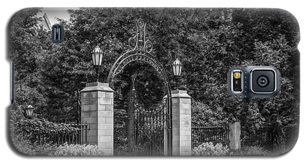 University Of Chicago Hull Court Gate Galaxy S5 Case by University Icons