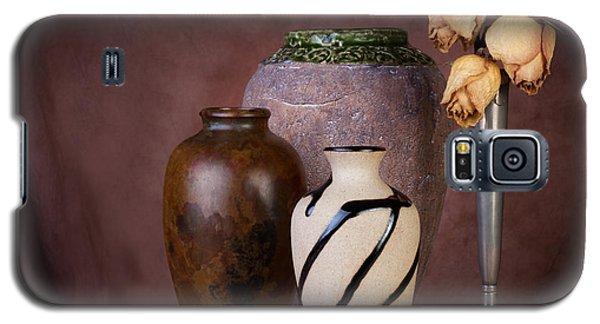Vase And Roses Still Life Galaxy S5 Case by Tom Mc Nemar