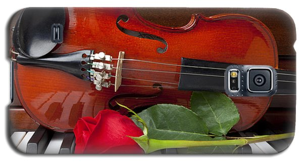 Violin With Rose On Piano Galaxy S5 Case by Garry Gay