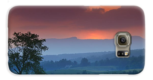 Sunset Over Mt. Mansfield In Stowe Vermont Galaxy S6 Case by Don Landwehrle