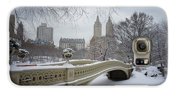 Bow Bridge Central Park In Winter  Galaxy S6 Case by Vivienne Gucwa