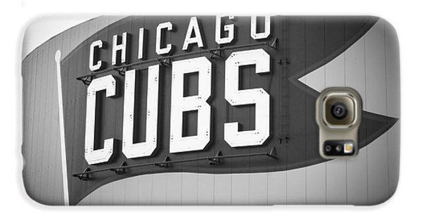 Chicago Cubs Wrigley Field Sign Black And White Picture Galaxy S6 Case by Paul Velgos