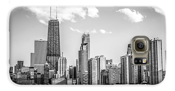 Chicago Skyline Picture In Black And White Galaxy S6 Case by Paul Velgos