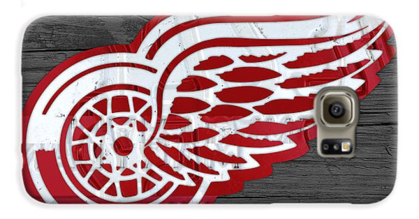 Detroit Red Wings Recycled Vintage Michigan License Plate Fan Art On Distressed Wood Galaxy S6 Case by Design Turnpike