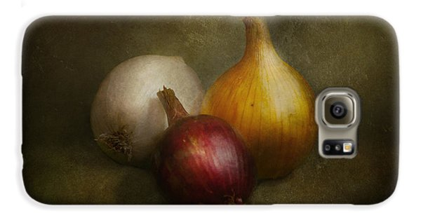 Food - Onions - Onions  Galaxy S6 Case by Mike Savad