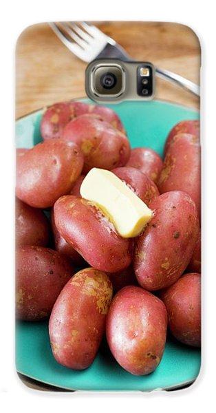King Edward Potatoes On A Plate Galaxy S6 Case by Aberration Films Ltd