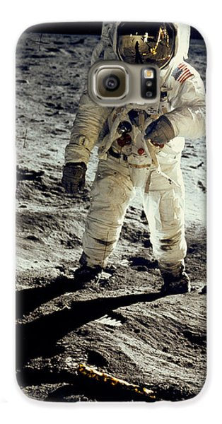 Man On The Moon Galaxy S6 Case by Neil Armstrong/Underwood Archive