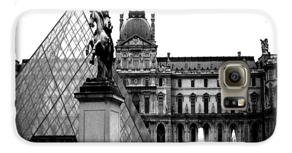 Paris Black And White Photography - Louvre Museum Pyramid Black White Architecture Landmark Galaxy S6 Case by Kathy Fornal