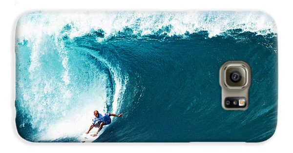 Pro Surfer Kelly Slater Surfing In The Pipeline Masters Contest Galaxy S6 Case by Paul Topp