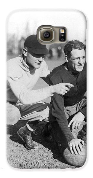 Red Grange And His Coach Galaxy S6 Case by Underwood Archives