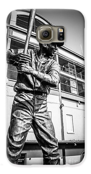 Wrigley Field Ernie Banks Statue In Black And White Galaxy S6 Case by Paul Velgos