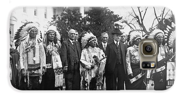 Coolidge With Native Americans Galaxy S6 Case by Photo Researchers