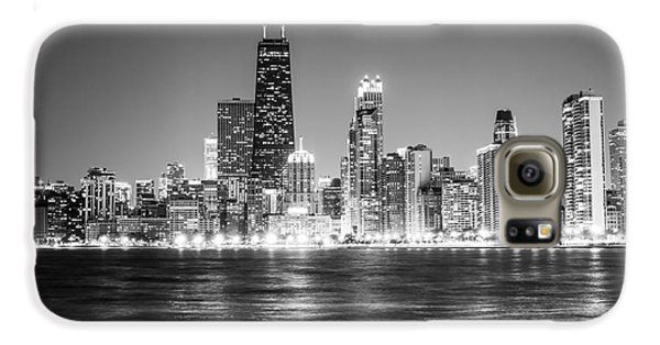 Chicago Lakefront Skyline Black And White Photo Galaxy S6 Case by Paul Velgos