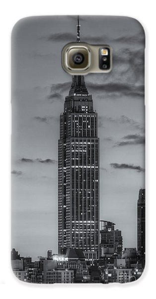 Empire State Building Morning Twilight Iv Galaxy S6 Case by Clarence Holmes
