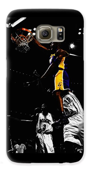 Kobe Bryant On Top Of Dwight Howard Galaxy S6 Case by Brian Reaves