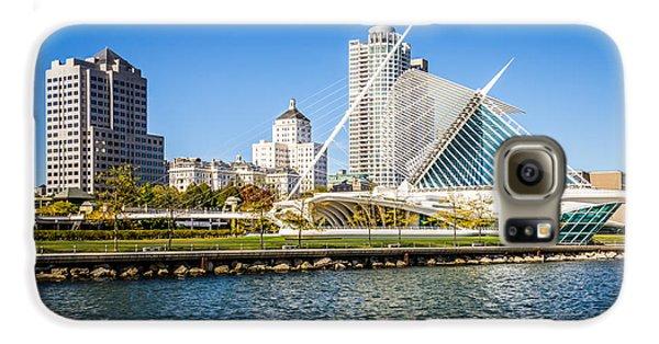 Milwaukee Skyline Photo With Milwaukee Art Museum Galaxy S6 Case by Paul Velgos