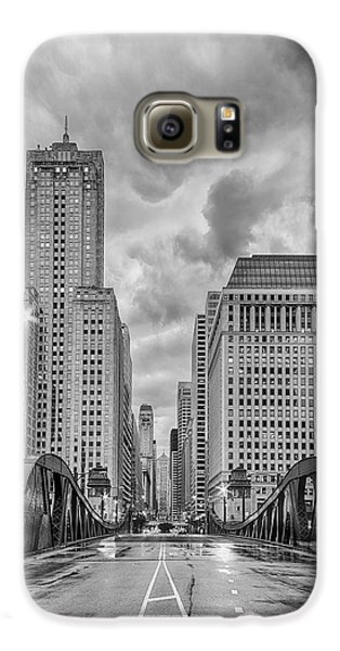 Monochrome Image Of The Marshall Suloway And Lasalle Street Canyon Over Chicago River - Illinois Galaxy S6 Case by Silvio Ligutti