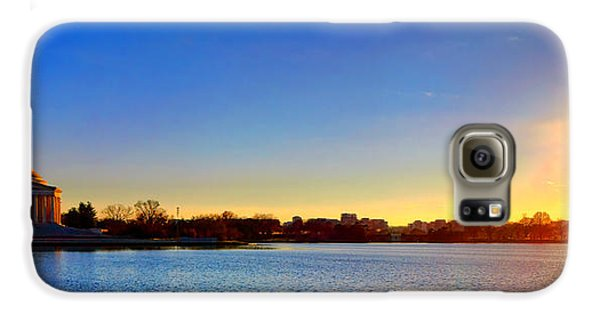 Sunset Over The Jefferson Memorial  Galaxy S6 Case by Olivier Le Queinec