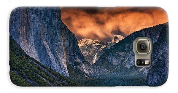 Sunset Skies Over Yosemite Valley Galaxy S6 Case by Rick Berk