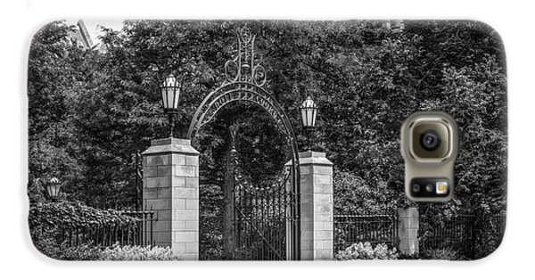 University Of Chicago Hull Court Gate Galaxy S6 Case by University Icons
