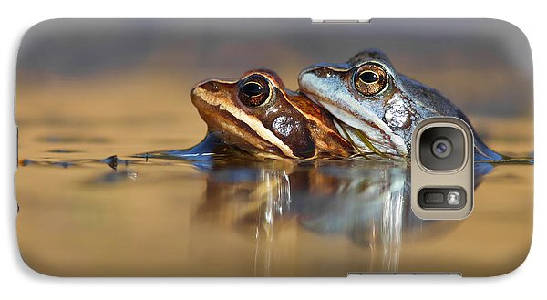 Blue Love ... Mating Moor Frogs  Galaxy S7 Case by Roeselien Raimond