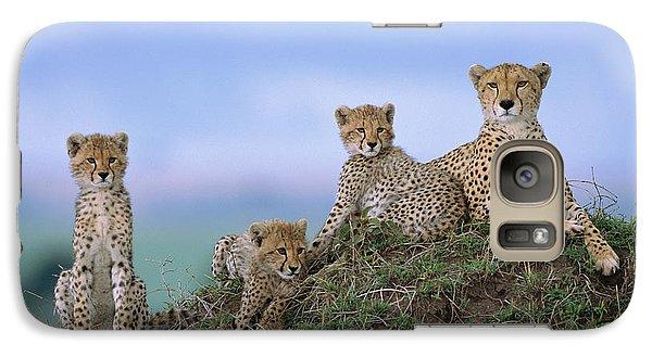 Cheetah Mother And Cubs Masai Mara Galaxy S7 Case by Yva Momatiuk John Eastcott