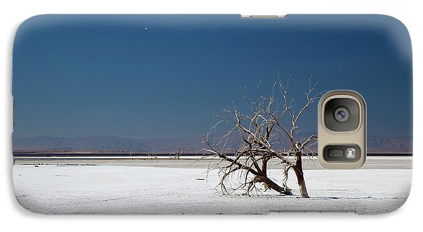 Dead Trees On Salt Flat Galaxy S7 Case by Jim West
