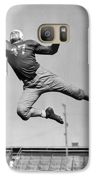 Football Player Catching Pass Galaxy Case by Underwood Archives