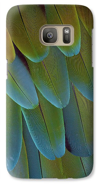 Green-winged Macaw Wing Feathers Galaxy S7 Case by Darrell Gulin