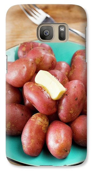 King Edward Potatoes On A Plate Galaxy S7 Case by Aberration Films Ltd