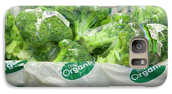 Organic Broccoli For Sale Galaxy S7 Case by Ashley Cooper