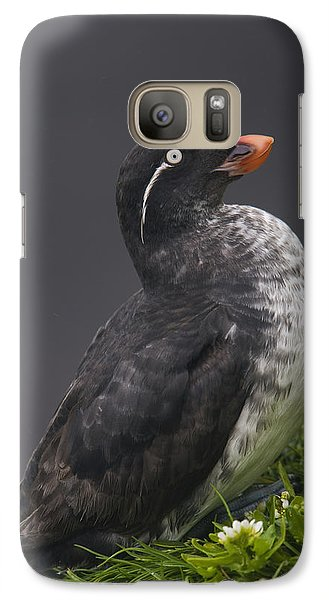 Parakeet Auklet Sitting In Green Galaxy S7 Case by Milo Burcham
